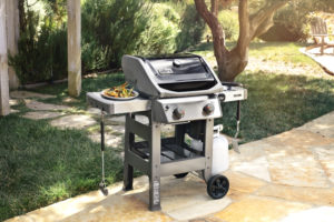 Pollocks BBQS Spirit II E-210 Black Lifestyle