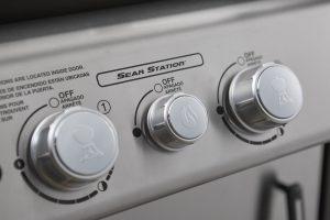 Weber Spirit SP-335 Sear Station Pollocks HOme Hardware